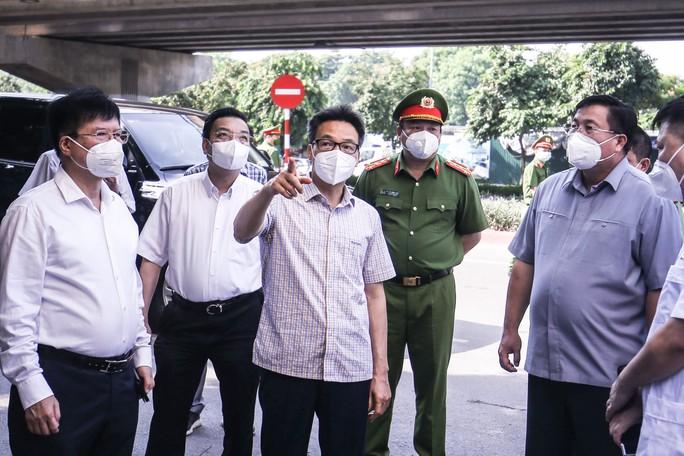 Phó Thủ tướng: Việc cần làm ngay là cho người dân tự lấy mẫu test nhanh SARS-CoV-2 - Ảnh 1.