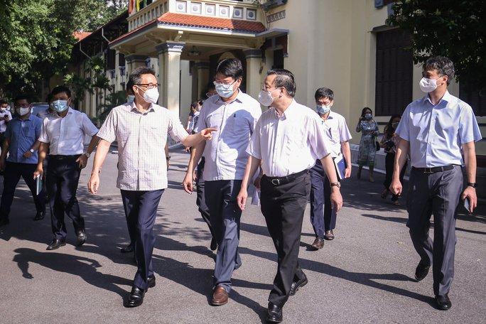 Phó Thủ tướng: Việc cần làm ngay là cho người dân tự lấy mẫu test nhanh SARS-CoV-2 - Ảnh 2.