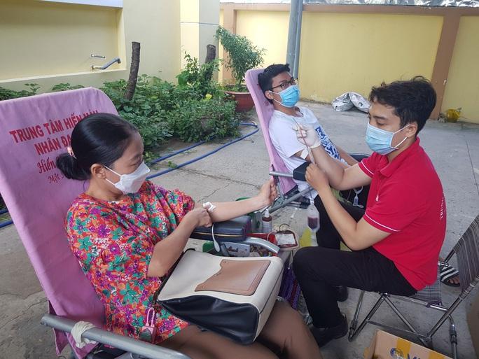 Vận động đoàn viên hiến máu cứu người - Ảnh 1.