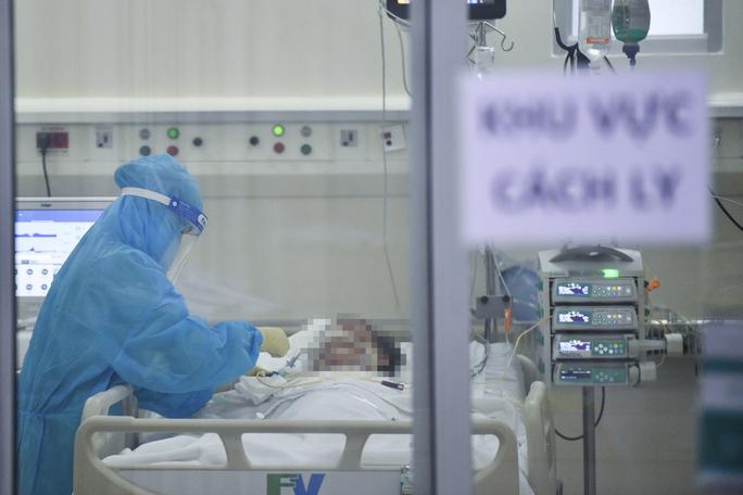 Phương án giảm tải cho nhân viên y tế tuyến đầu của TP HCM - Ảnh 1.