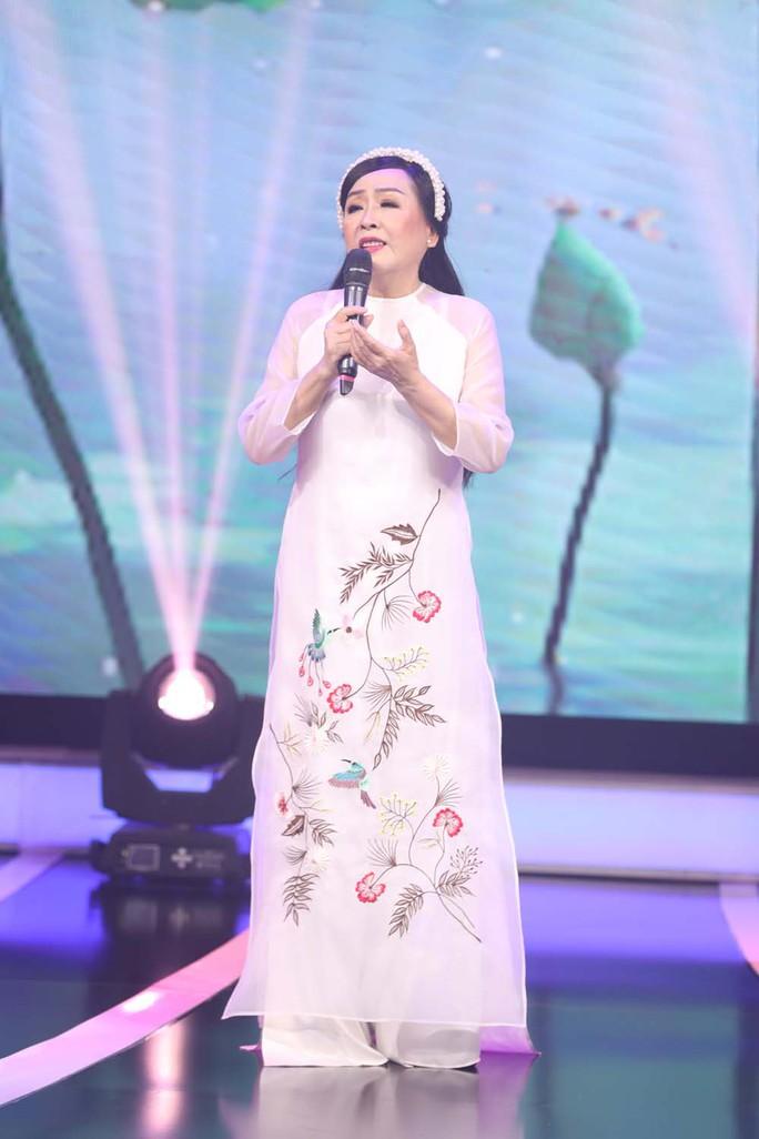 NSND Thu Hiền: Mang hành trang giọng hát vào chiến trường - Ảnh 6.