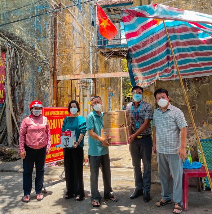 Xóm nghèo 17 Phan Đình Phùng những ngày phong tỏa - Ảnh 2.