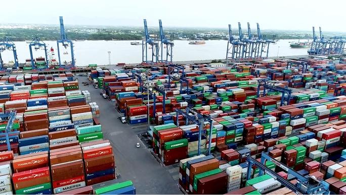 Hải quan TP HCM lập tổ phản ứng nhanh chống ùn tắc tại cảng  - Ảnh 1.