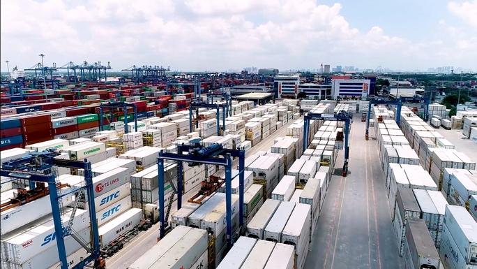 Tân Cảng Sài Gòn miễn, giảm hàng loạt phí dịch vụ cho doanh nghiệp - Ảnh 1.