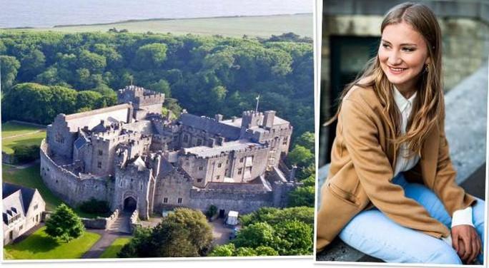 """Công chúa Bỉ đến học ĐH Oxford sau khi tốt nghiệp trường """"Hogwarts của dân hippies"""" - Ảnh 1."""