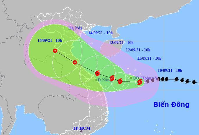 Bão số 5 giật cấp 13 ảnh hưởng từ Thanh Hóa - Quảng Ngãi, gây mưa rất to - Ảnh 1.