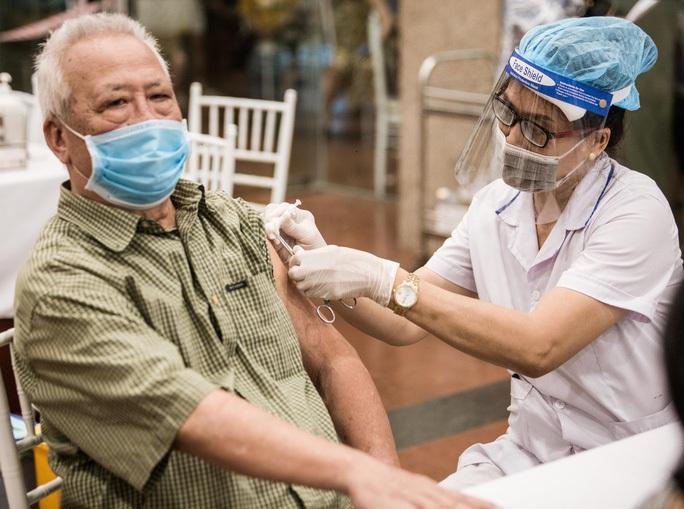 Bộ Y tế: Không cần đo huyết áp tất cả người tiêm vắc-xin Covid-19 - Ảnh 2.