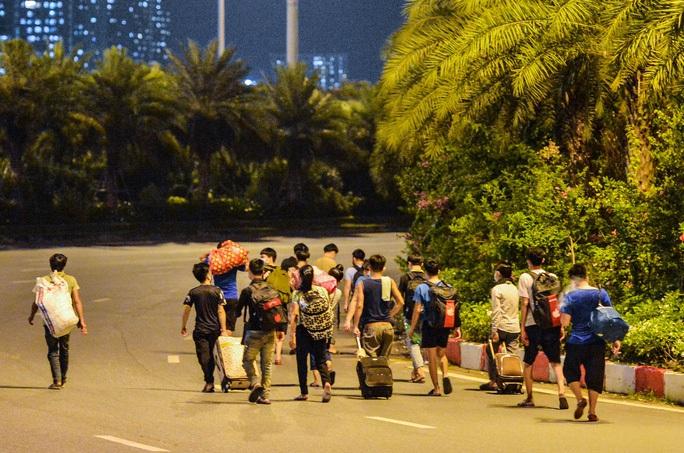 Đề nghị Hà Nội, TP HCM, Bình Dương xem xét đưa người dân về quê theo nguyện vọng - Ảnh 1.