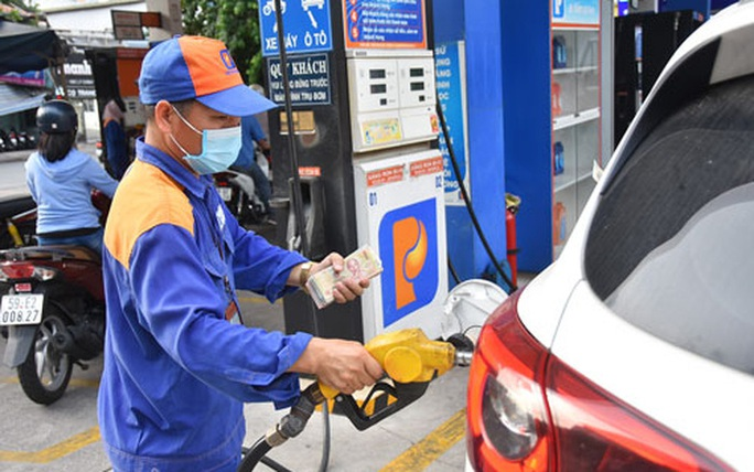 Xăng dầu đồng loạt tăng giá - Ảnh 1.