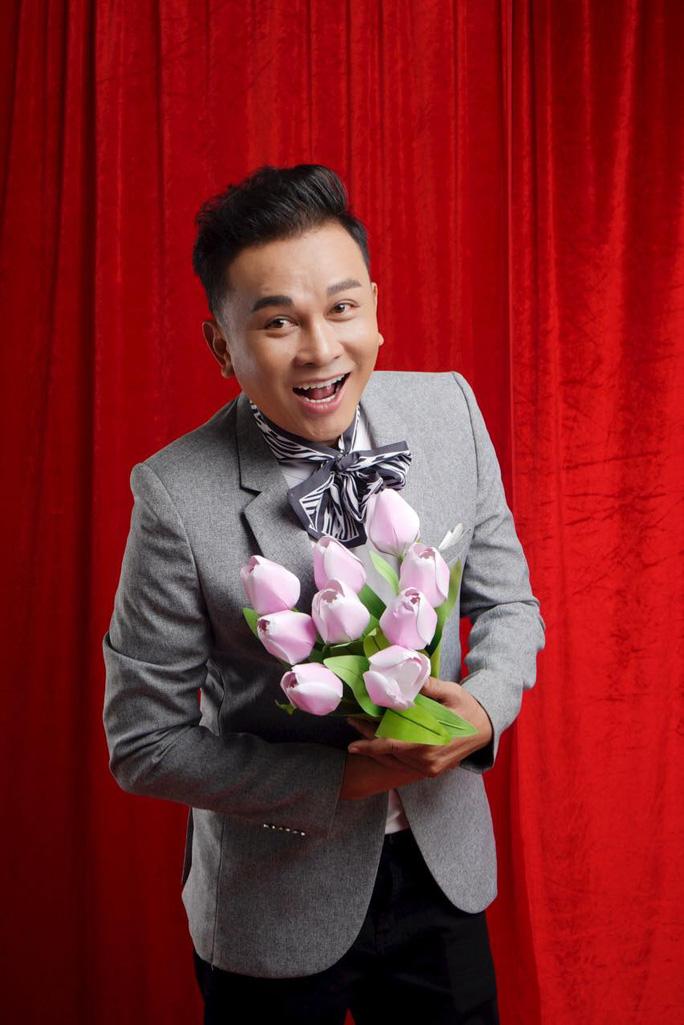 30 nghệ sĩ nổi tiếng tham gia MV ca cổ Sài Gòn, ngày vui trở lại của NSƯT Hữu Quốc - Ảnh 1.