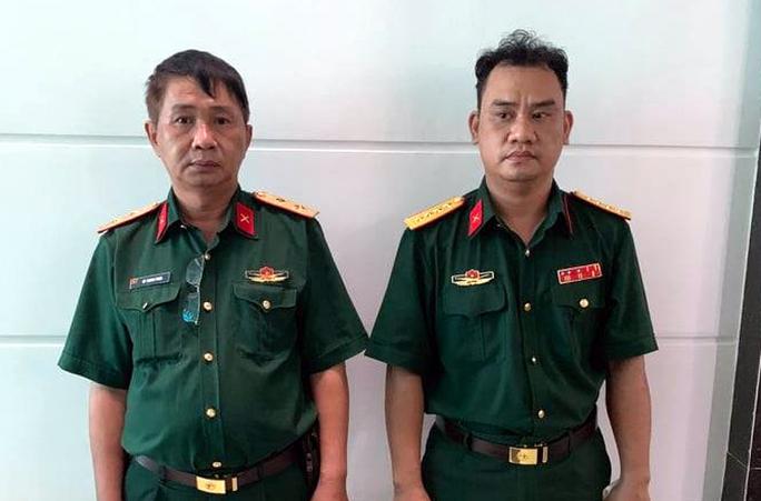 Kiểm tra 1 đại úy tại chốt kiểm dịch, phát hiện kẻ giả danh trung tướng quân đội - Ảnh 1.