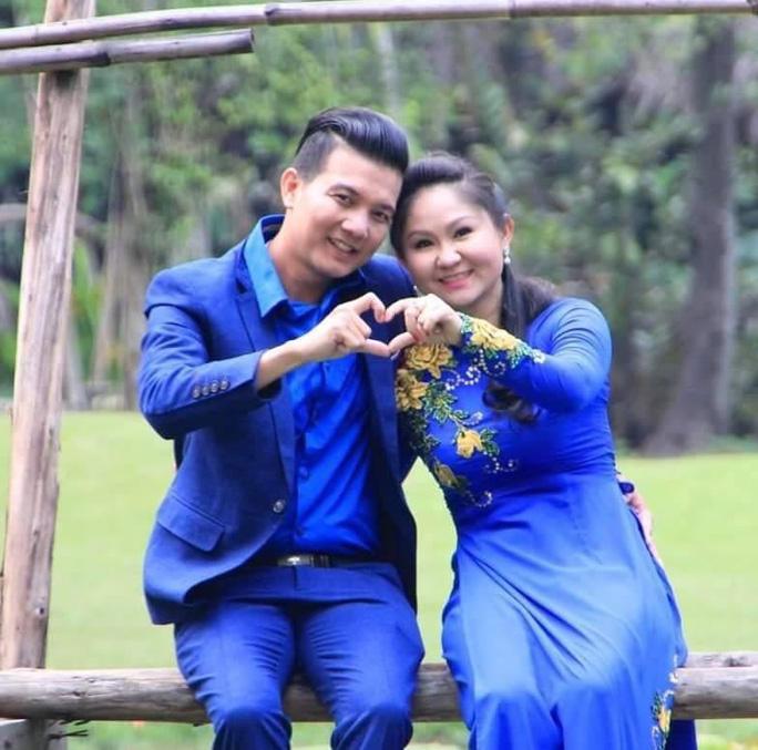 30 nghệ sĩ nổi tiếng tham gia MV ca cổ Sài Gòn, ngày vui trở lại của NSƯT Hữu Quốc - Ảnh 4.