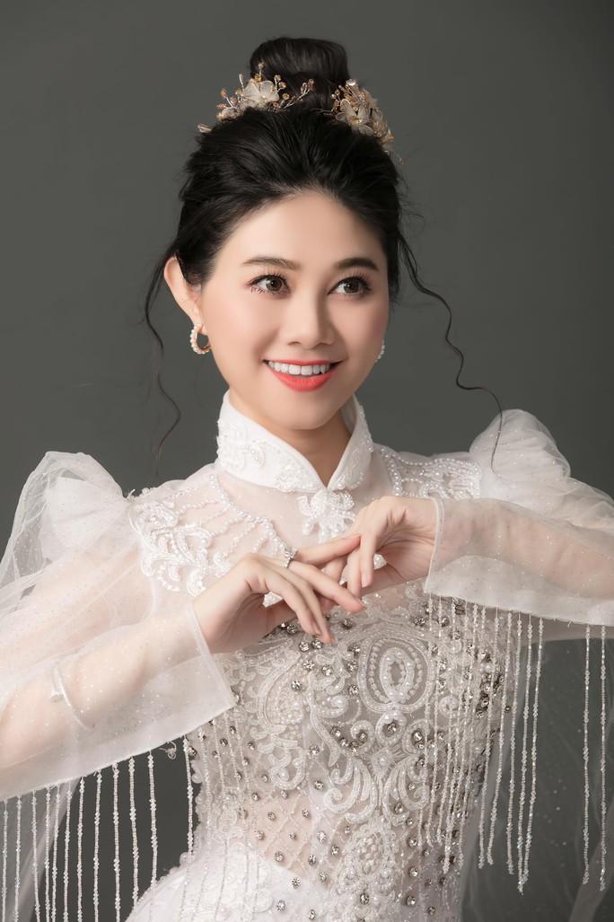 30 nghệ sĩ nổi tiếng tham gia MV ca cổ Sài Gòn, ngày vui trở lại của NSƯT Hữu Quốc - Ảnh 2.