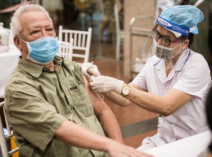 Ngày 11-9, thêm 12.541 bệnh nhân Covid-19 khỏi bệnh, TP HCM giảm 1.910 ca nhiễm - Ảnh 2.