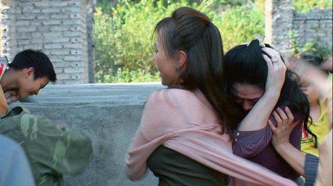Hương vị tình thân phần 2 tập 33 (tập 104): Nam cứu nguy cho bà Xuân, Thy bị ông Khang quở trách - Ảnh 4.