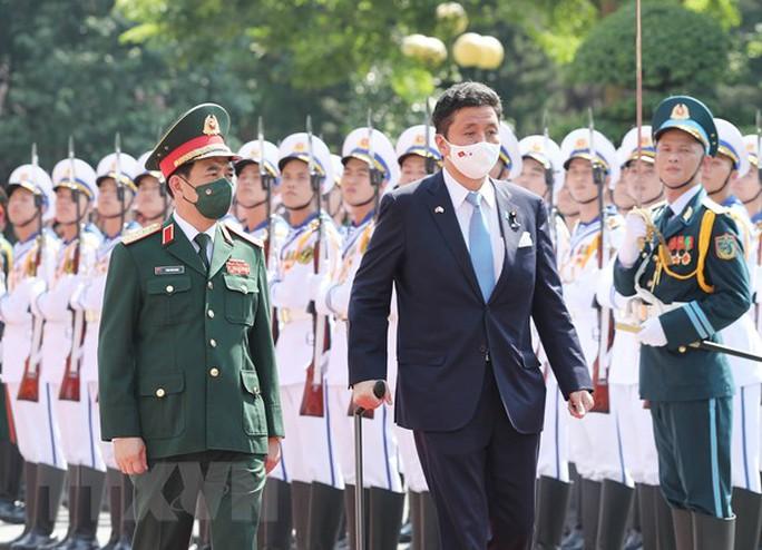 Việt Nam - Nhật Bản ký thỏa thuận chuyển giao thiết bị và công nghệ quốc phòng - Ảnh 5.