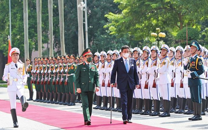 Việt Nam - Nhật Bản ký thỏa thuận chuyển giao thiết bị và công nghệ quốc phòng - Ảnh 4.
