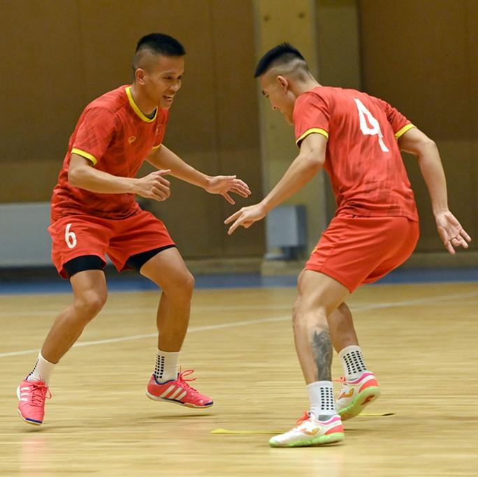 Việt Nam xuất sắc vào vòng 1/8 FIFA Futsal World Cup 2021 - Ảnh 1.