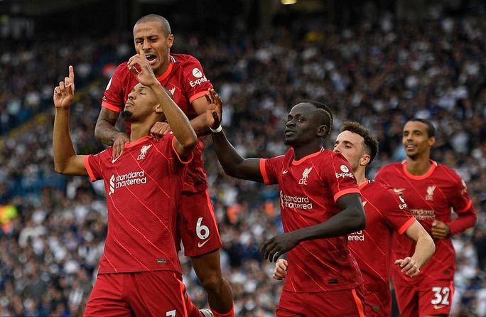 Mohamed Salah lập kỳ tích, Liverpool vọt lên Top 3 Ngoại hạng Anh - Ảnh 4.