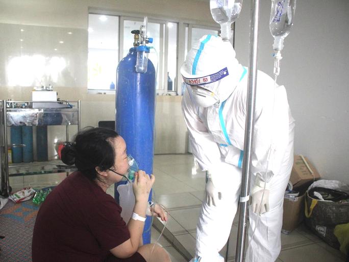9,5% bệnh nhân Covid-19 có nhu cầu thở oxy y tế - Ảnh 2.