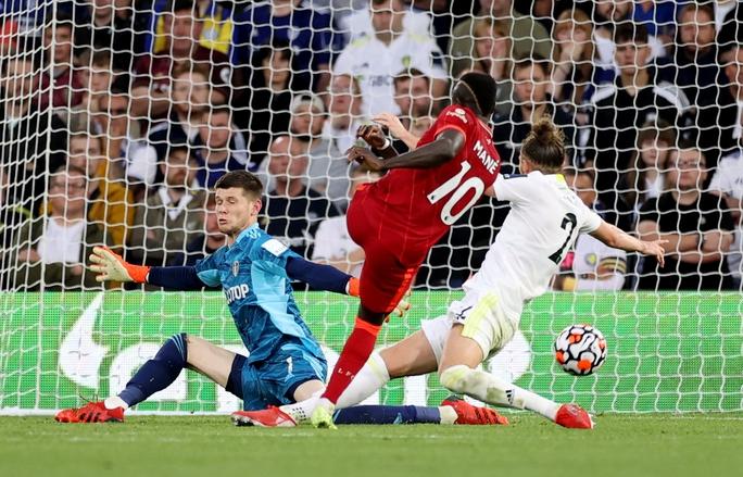 Mohamed Salah lập kỳ tích, Liverpool vọt lên Top 3 Ngoại hạng Anh - Ảnh 7.