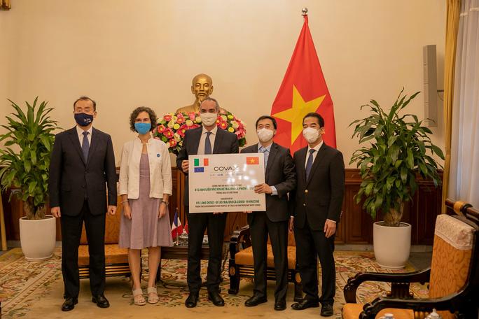 Pháp và Ý tặng Việt Nam 1,5 triệu liều vắc-xin ngừa Covid-19 - Ảnh 4.