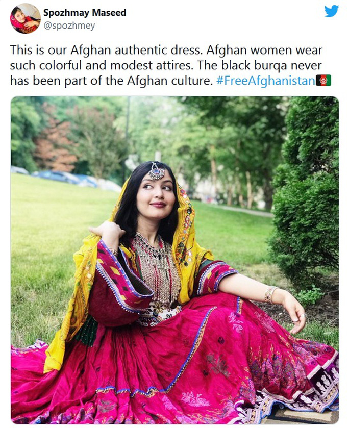 Phụ nữ Afghanistan phản đối Taliban đụng vào quần áo - Ảnh 3.