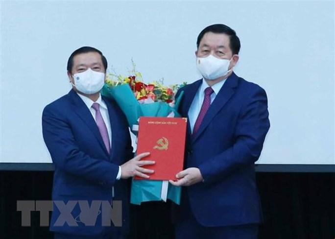Triển khai quyết định của Bộ Chính trị về công tác cán bộ - Ảnh 1.