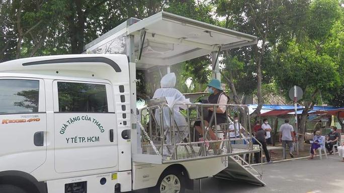TP HCM đã tiêm hơn 8,3 triệu mũi vắc-xin cho người dân - Ảnh 1.