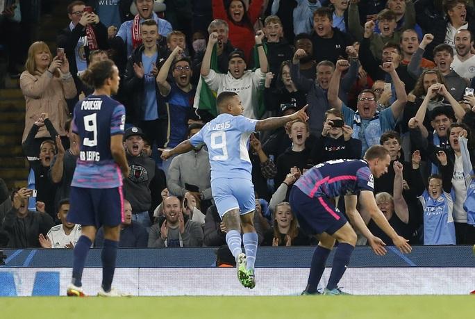 Đại tiệc 9 bàn thắng, Man City vùi dập bò đỏ RB Leipzig ở Etihad - Ảnh 7.