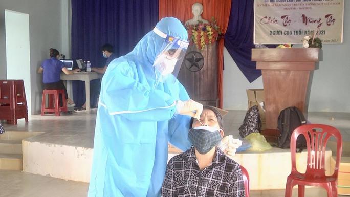 Chuỗi lây nhiễm liên quan Công ty Rieker ở Quảng Nam phức tạp, đã có 82 ca Covid-19 - Ảnh 2.