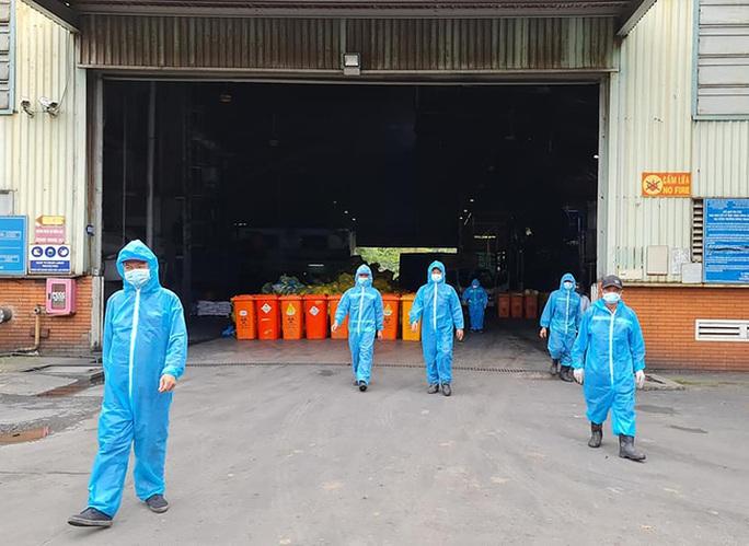 Những công nhân đặc biệt ở nhà máy đặc biệt - Ảnh 1.