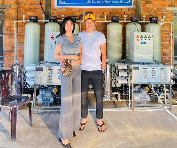 Sự thật việc Thủy Tiên bị nghi ăn 450 triệu/1 máy lọc nước cứu trợ - Ảnh 2.
