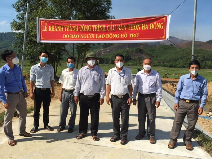Bình Định khánh thành cầu Bản do chương trình Trái tim miền Trung  Báo Người Lao Động hỗ  trợ - Ảnh 4.