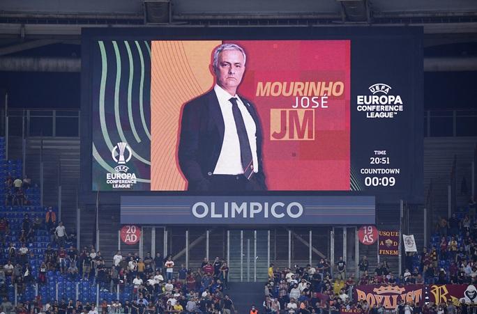 AS Roma thắng đậm CSKA Sofia, mừng trận cầu 1.001 của HLV Jose Mourinho - Ảnh 1.