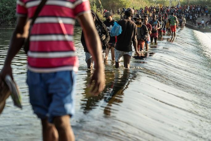 """Làn sóng người di cư """"sống dở, chết dở"""" ở biên giới Mỹ - Mexico - Ảnh 1."""