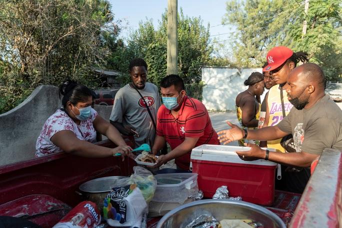 """Làn sóng người di cư """"sống dở, chết dở"""" ở biên giới Mỹ - Mexico - Ảnh 4."""