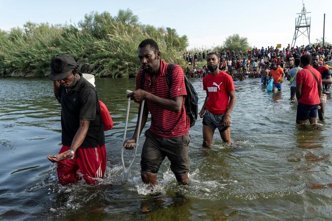 """Làn sóng người di cư """"sống dở, chết dở"""" ở biên giới Mỹ - Mexico - Ảnh 6."""