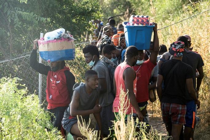 """Làn sóng người di cư """"sống dở, chết dở"""" ở biên giới Mỹ - Mexico - Ảnh 8."""