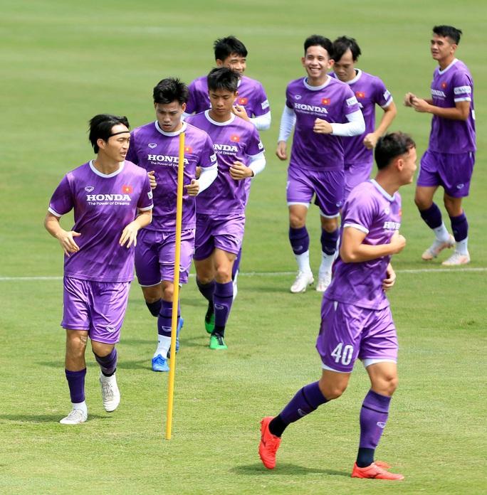 Tiền vệ Đức Huy: Phải có kết quả tốt trong 2 trận đấu tới, nhất là trận với đội Trung Quốc - Ảnh 3.