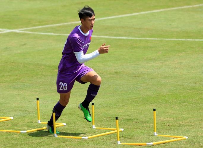 Tiền vệ Đức Huy: Phải có kết quả tốt trong 2 trận đấu tới, nhất là trận với đội Trung Quốc - Ảnh 12.