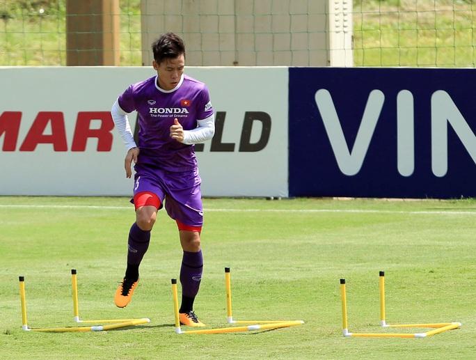 Tiền vệ Đức Huy: Phải có kết quả tốt trong 2 trận đấu tới, nhất là trận với đội Trung Quốc - Ảnh 11.