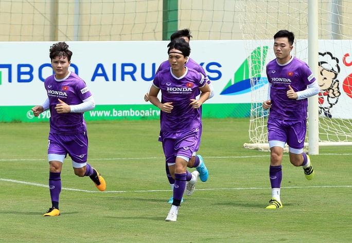 Tiền vệ Đức Huy: Phải có kết quả tốt trong 2 trận đấu tới, nhất là trận với đội Trung Quốc - Ảnh 4.
