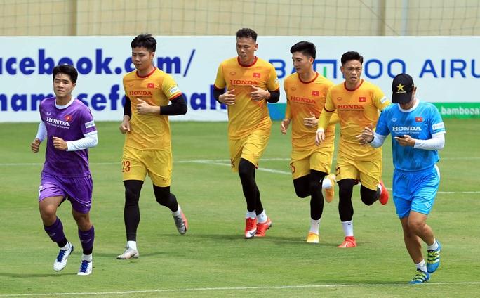 Tiền vệ Đức Huy: Phải có kết quả tốt trong 2 trận đấu tới, nhất là trận với đội Trung Quốc - Ảnh 5.