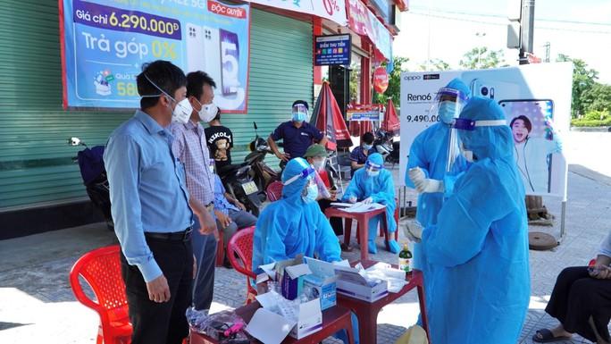 Quảng Bình thêm 49 ca nhiễm SARS-CoV-2, có 4 ca cộng đồng - Ảnh 1.