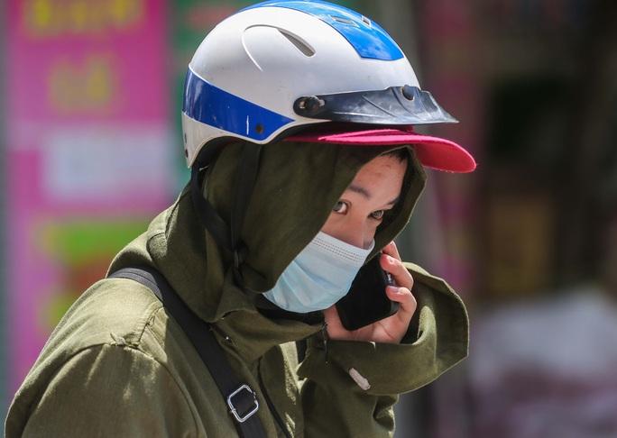 CLIP: Phong toả 1 khu dân cư có ca nhiễm SARS-CoV-2 là người bán rau củ quả online - Ảnh 9.