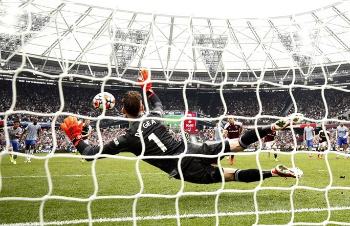 Ronaldo và Lingard tỏa sáng, Man United thắng nghẹt thở phút bù giờ - Ảnh 9.
