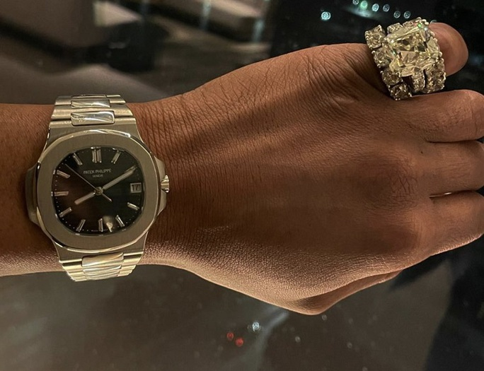Nam rapper Lil Baby bức xúc khi công chúng nói anh dùng đồng hồ giả  - Ảnh 2.