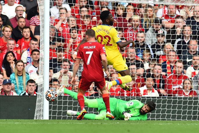 Cuồng phong đỏ Liverpool cuốn phăng Crystal Palace, chiếm ngôi đầu Ngoại hạng - Ảnh 4.