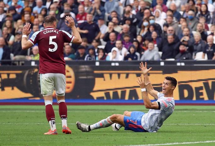 Ronaldo và Lingard tỏa sáng, Man United thắng nghẹt thở phút bù giờ - Ảnh 5.